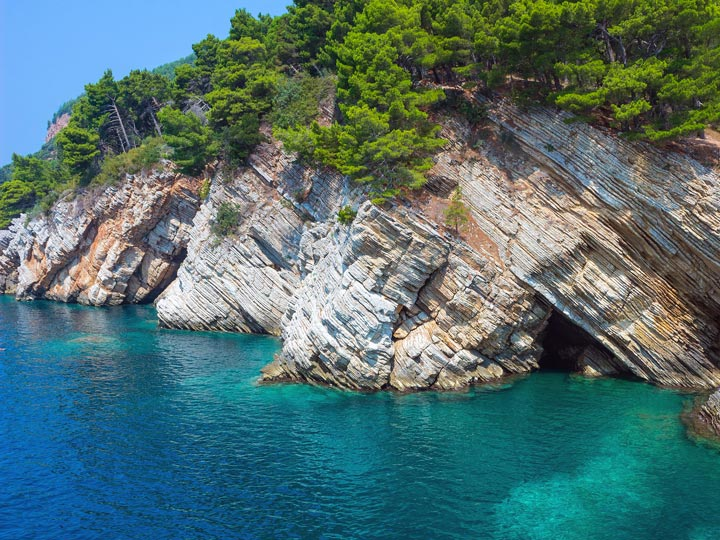 crystal-clear-waters-montenegro