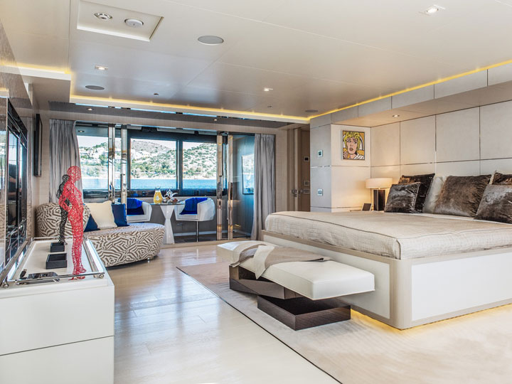 light holic master bedroom